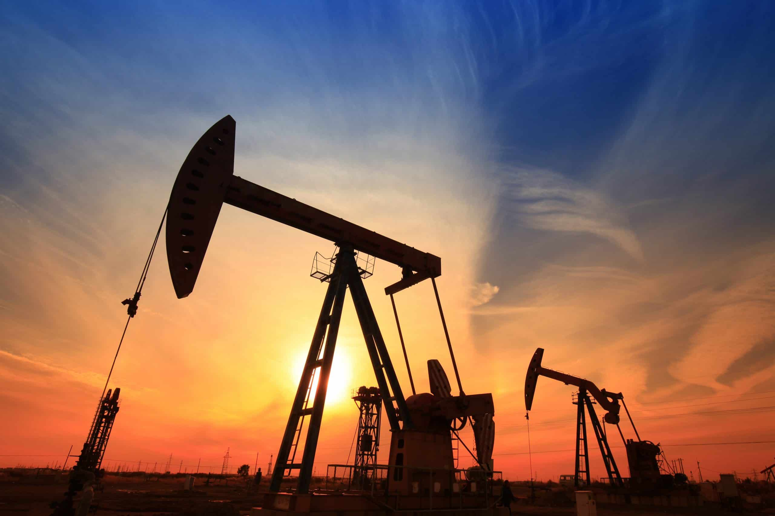 U.S. Oil Prices Expand the Gap to Brent
